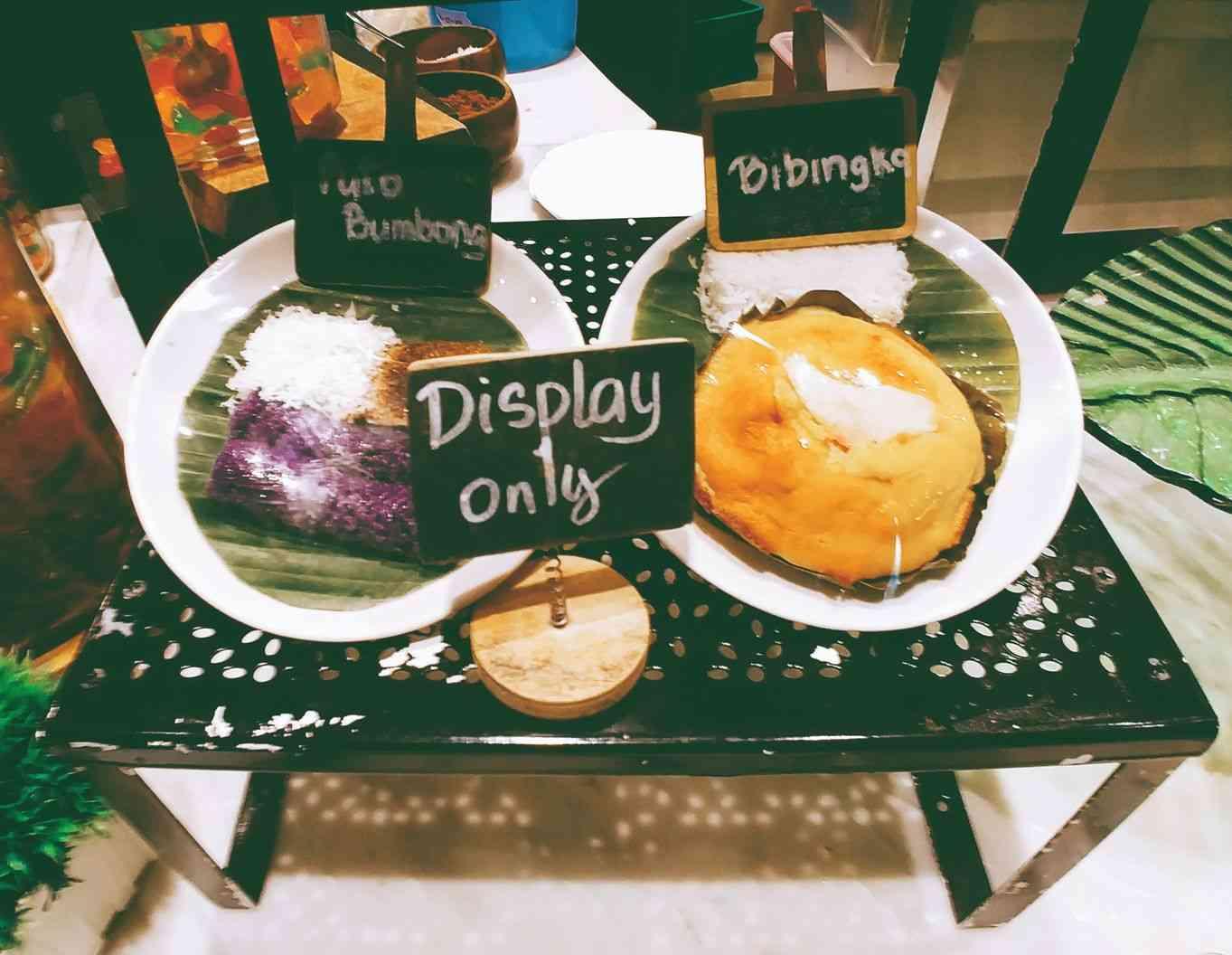 Vikings Luxury Buffet: bibingka and puto bumbong