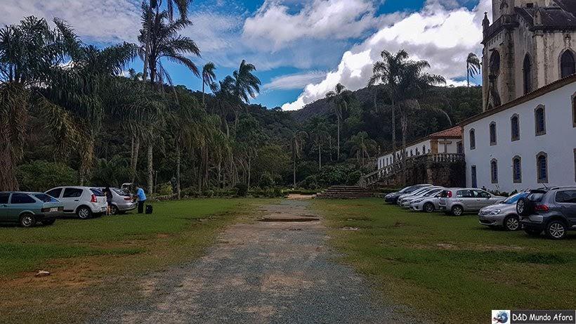 Estacionamento para hóspedes da Pousada do Caraça - onde ficar no Santuário do Caraça