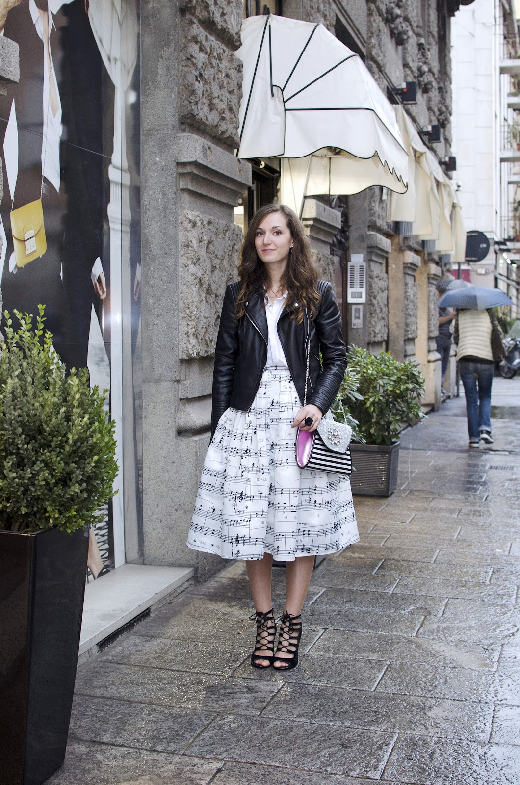 mfw milan fashion week street style fashion blogger italian girl midi skirt chicwish clutch new look lace up sandals oviesse leather jacket zara