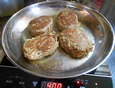 plain-turkey-patties-without-mushroom-gravy.jpeg