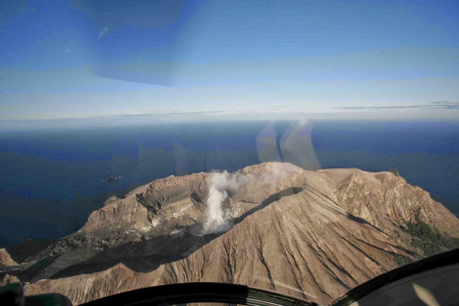 Walter Kei 水哥旅遊: 紐西蘭 - 懷特島(White Island)生命再新