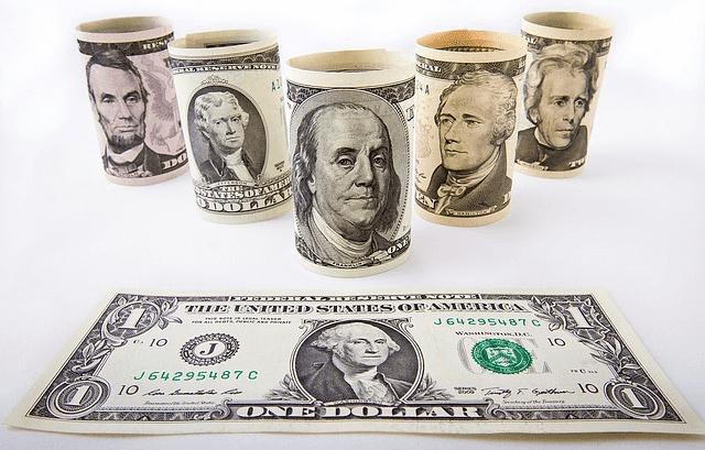harga dollar menurun terhadap mata uang lainnya