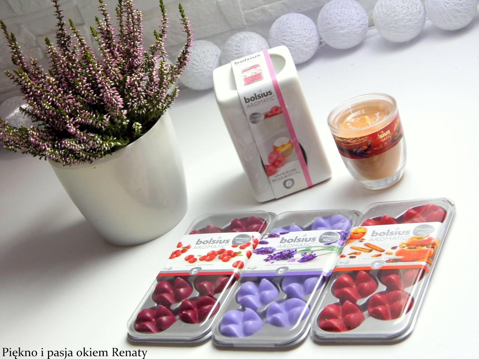 Piękne i kolorowe woski zapachowe w kształcie płatków kwiatów, które są  dostępne w ośmiu wersjach. Ja przedstawię wersję -pieczone jabłko, lawenda,  ...