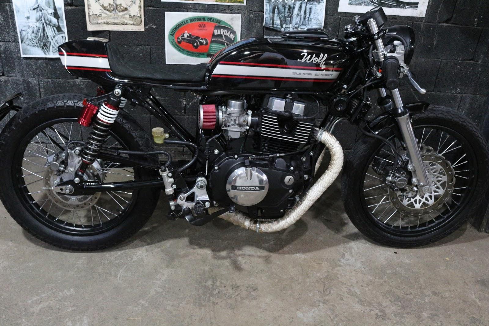 Cb 450 cafe racer wolf motorcycles garagem cafe racer o projeto consiste num amado tanque de turuna 83 com um bom retrabalho no chassis que como manda a regra clssica das cafe racers mantem a base do thecheapjerseys Image collections