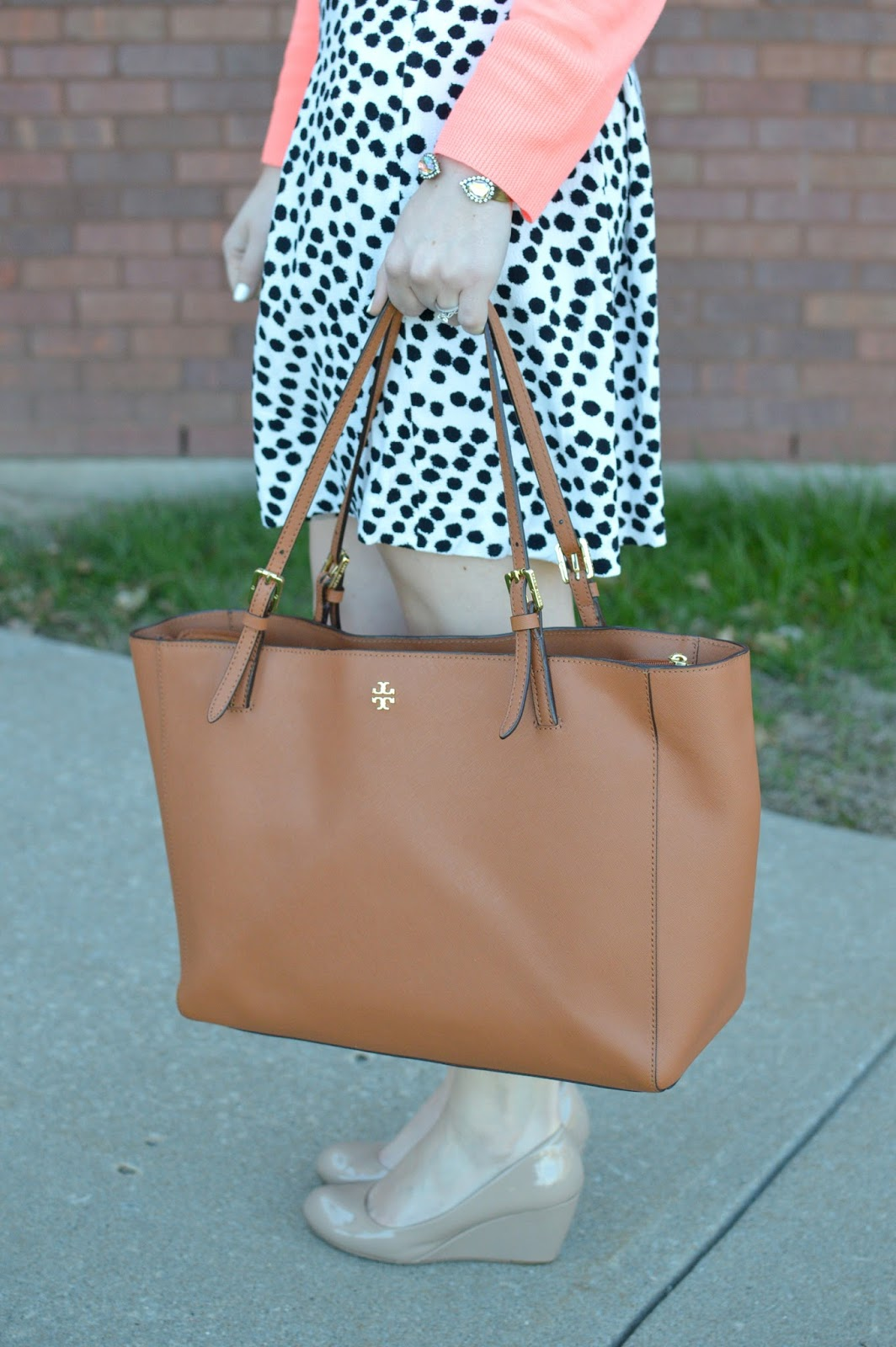 tory burch york buckle tote | good bags for work | a memory of us