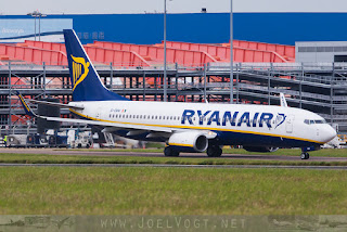 Boeing 737-800 of Ryanair at London Luton
