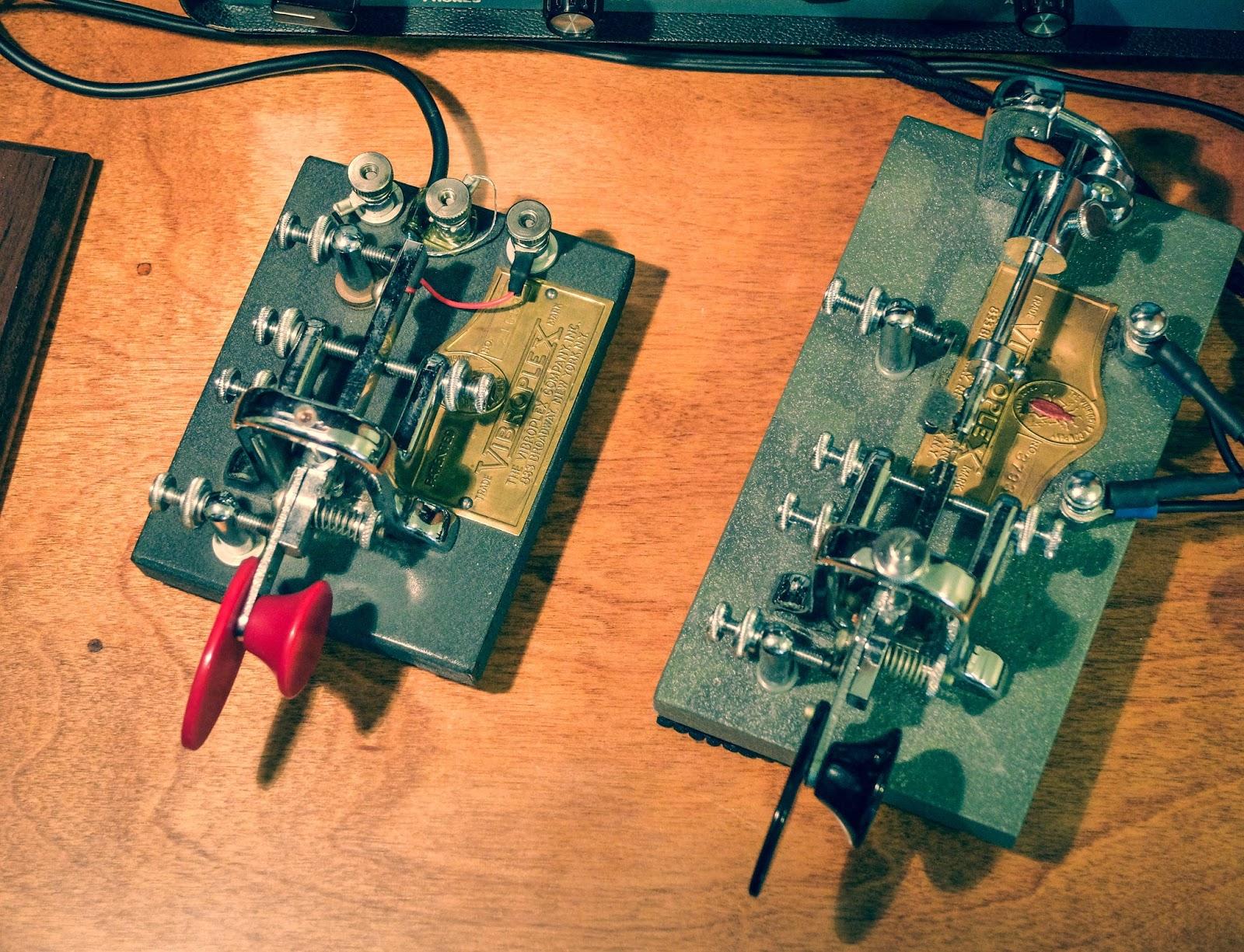 Ham Radio Qrp October 2017 Simple Electronic Keyer Vibrokeyer Next To A Bug