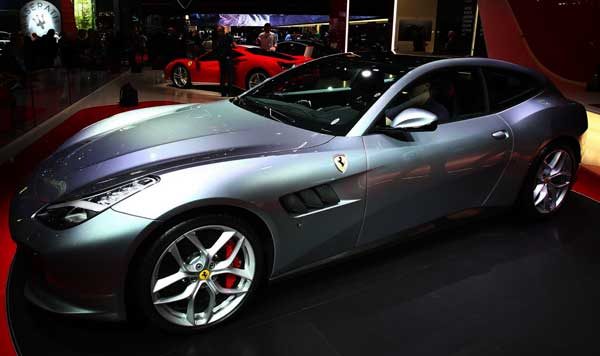 2016 Ferrari GTC4 Lusso T officially unveiled  at Paris Motor Show with V8 motor, and 600bhp torque
