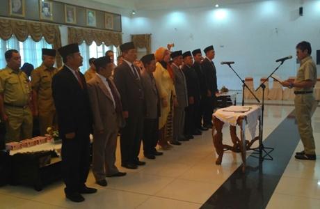 Lantik Majelis BPSK Padang, Irwan: Harus Bekerja Profesional dan Independen