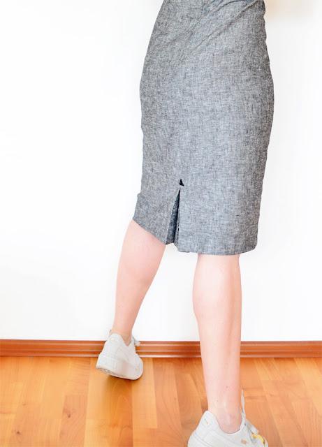 Es fächert die Fächerfalte am Kleid nach Inge Szoltysik-Sparrer @frauvau.blogspot.de