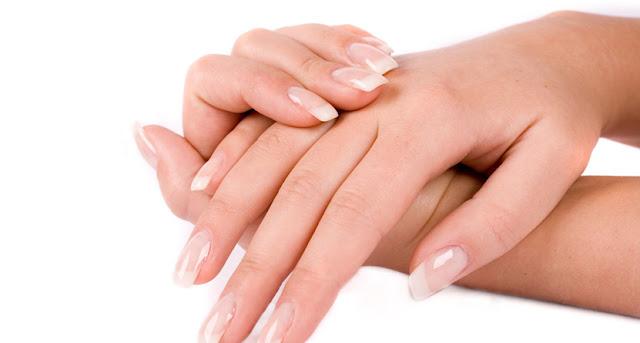 Cara Alami Menghaluskan Telapak Tangan