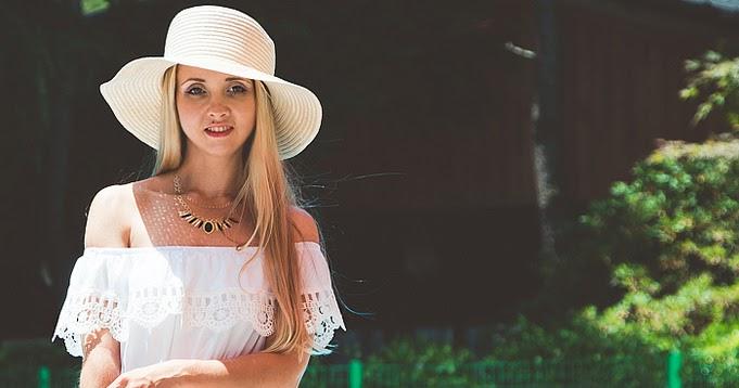 Pool summer: off-shoulder dress - My Blonde Gal