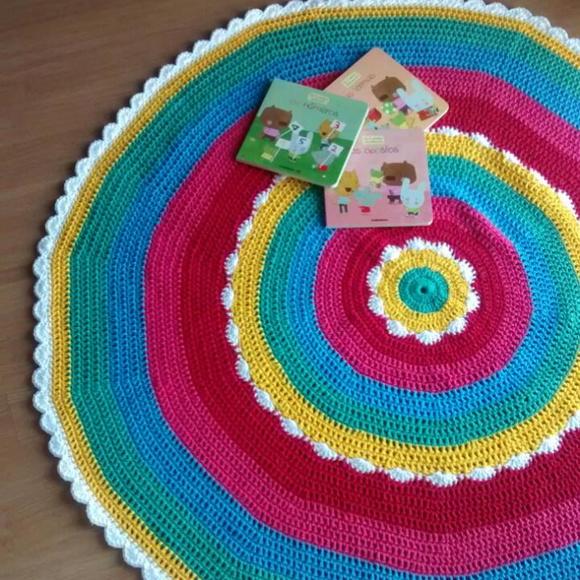 Benja Crochê - tapete colorido de crochê