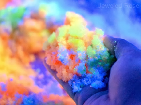 Homemade glow in the dark sand recipe