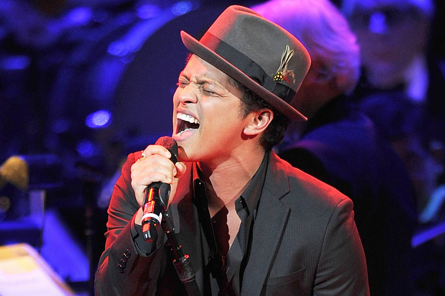 10 Lagu Bruno Mars yang Paling Enak Didengar & Digemari