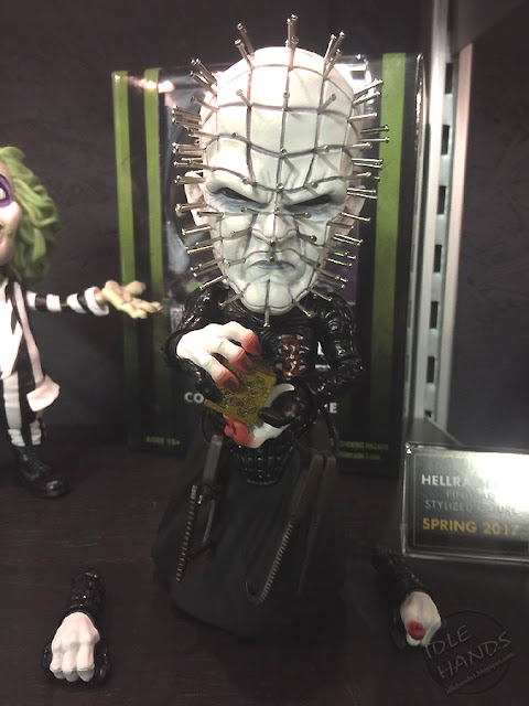Toy Fair 2017: Mezco's Horror Toys hellraiser Pinhead Vinyl Figure