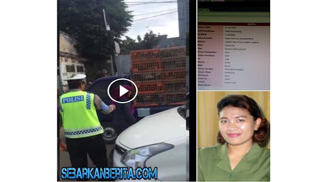 Video Heboh Seorang Wanita Yang Berdinas di Mahkamah Agung RI ,Hajar Oknum Polisi Di Jalan Raya.