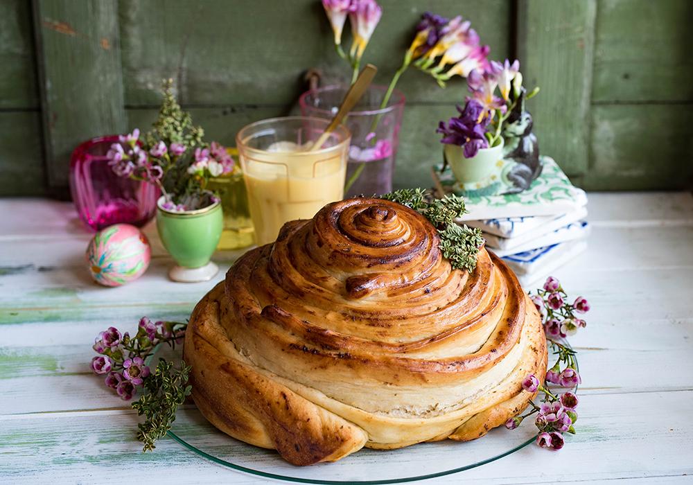 Rundes Lemon Curd Zupfbrot mit Zitronenthymian - Pull Apart bread
