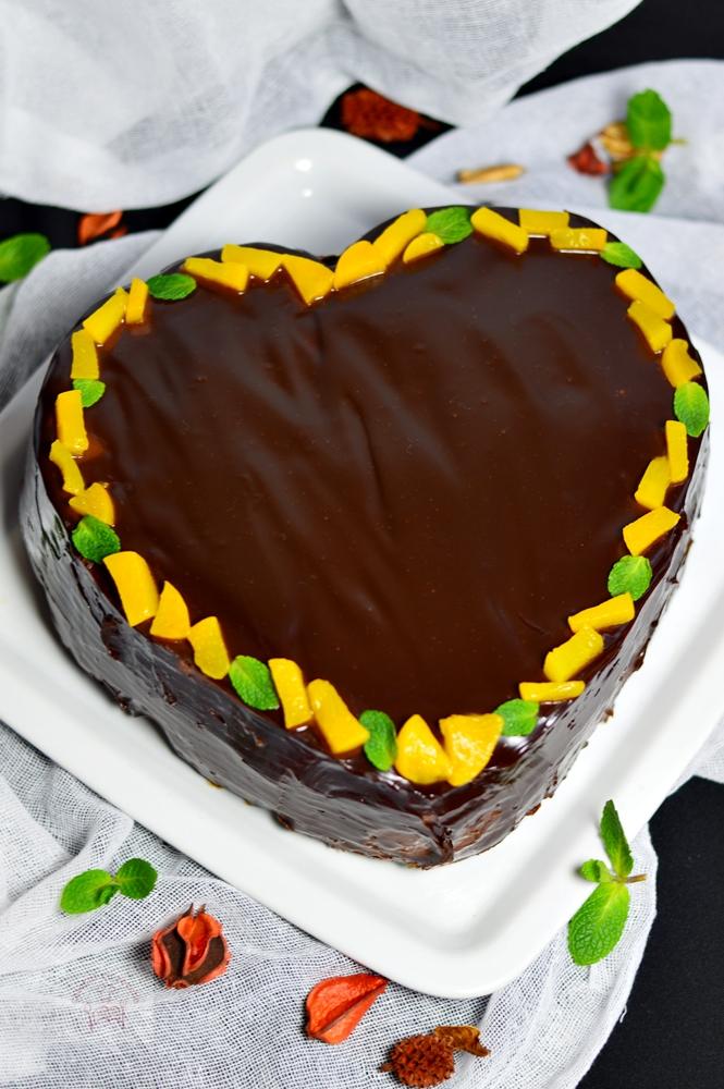 https://www.caietulcuretete.com/2017/02/tort-inimioara-cu-crema-de-ciocolata-si.html