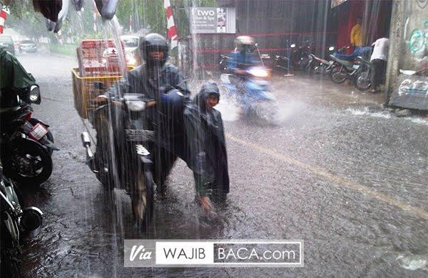 Jangan Pernah Menyalahkan Hujan Jika Suatu Hal yang Awalnya Normal Menjadi ...