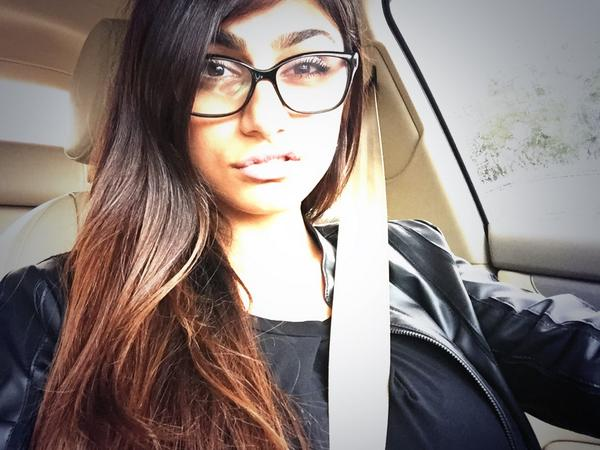 mia khalifa wallpapers