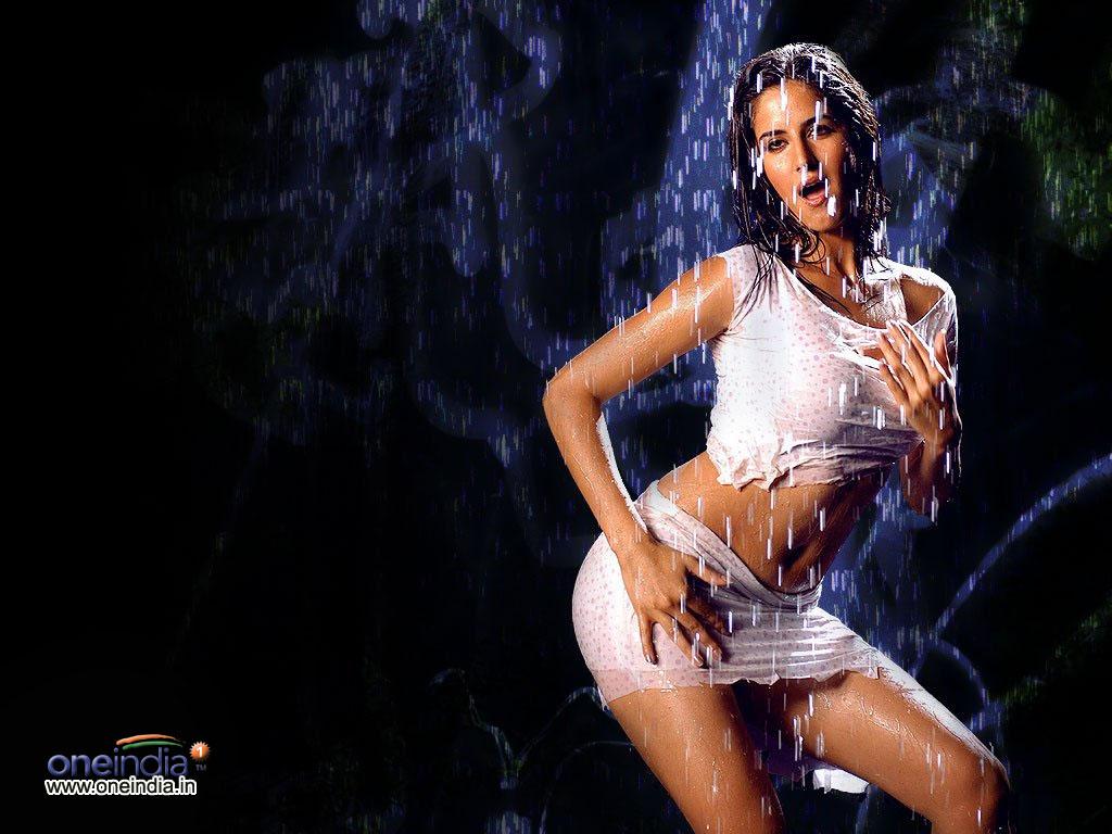 Dum maaro dum 2011 full song hot hd item deepika padukone miit jaye gham - 1 10