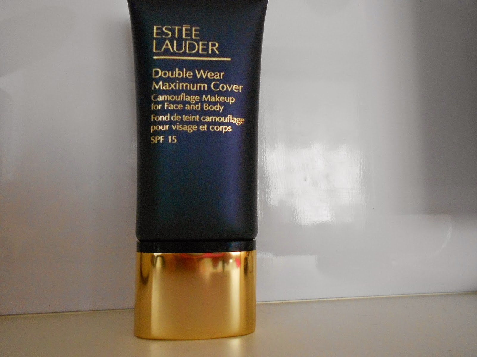 bethany 39 s beauty blog review of estee lauder double wear. Black Bedroom Furniture Sets. Home Design Ideas