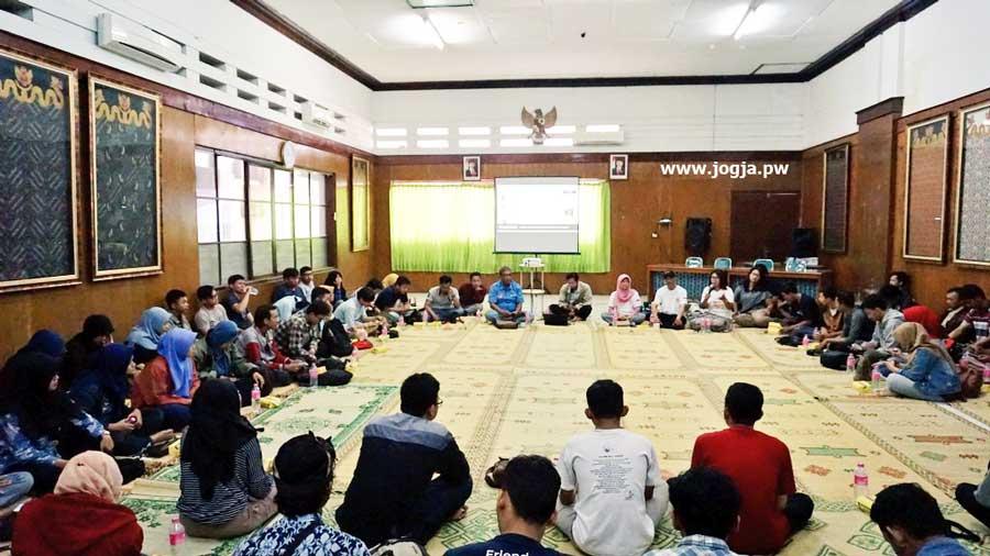 Di Sela Kopdar, GenPi Jogja Meggelar Doa Bersama Atas Tragedi Bom Surabaya