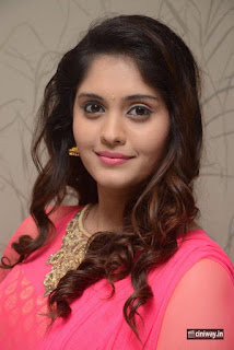 Actress-Surabhi-Stills-at-Gentleman-Movie-Success-Meet