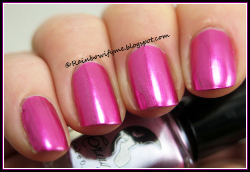 Metallic mirror nail polish