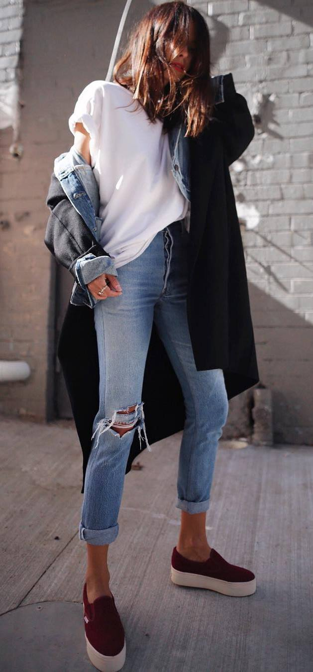 fashionable fall outfit / cashmere coat + denim jacket + tee + jeans