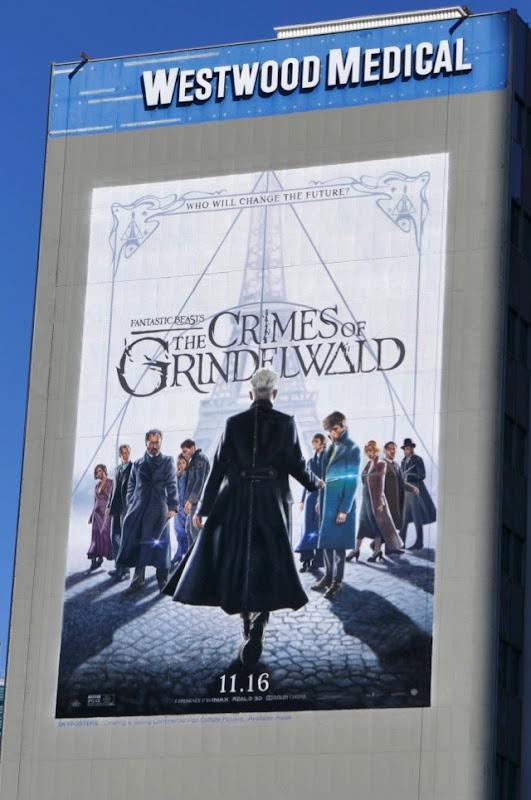 Fantastic Beasts Crimes of Grindelwald billboard
