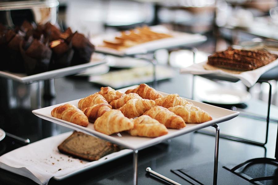 usa food breakfast hotel bread