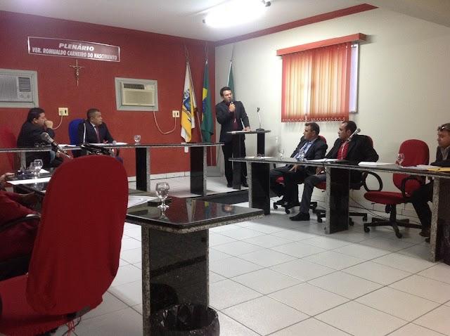 Câmara dos vereadores abre trabalhos e pela primeira vez em duas decádas tem a mensagem anual do prefeito.