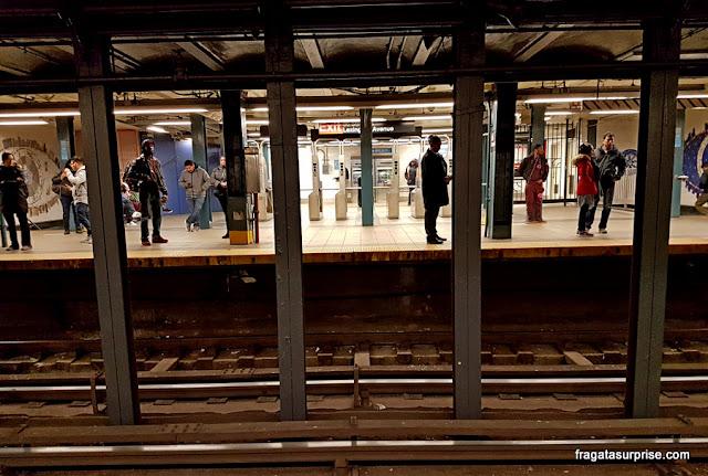 Transporte em Nova York - estação de metrô em Lower Manhattan
