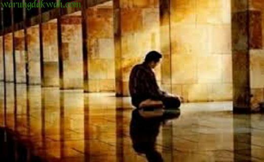 Bacaan Doa Tahiyat/Tasyahud Awal dan Akhir Lengkap Arab Latin Artinya
