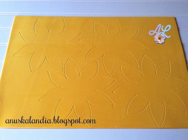 Girasoles-goma-eva-foamy-flores-goma-eva-ya marcados-con-palo-de-brocheta-Anuskalandia