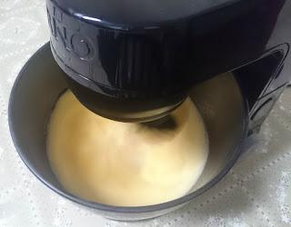 Mistura ingredientes líquidos