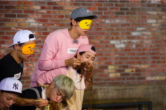 "Lee Kwang Soo And Song Ji Hyo Are The Best And Worst Of Siblings In ""Running Man"" Teasers"