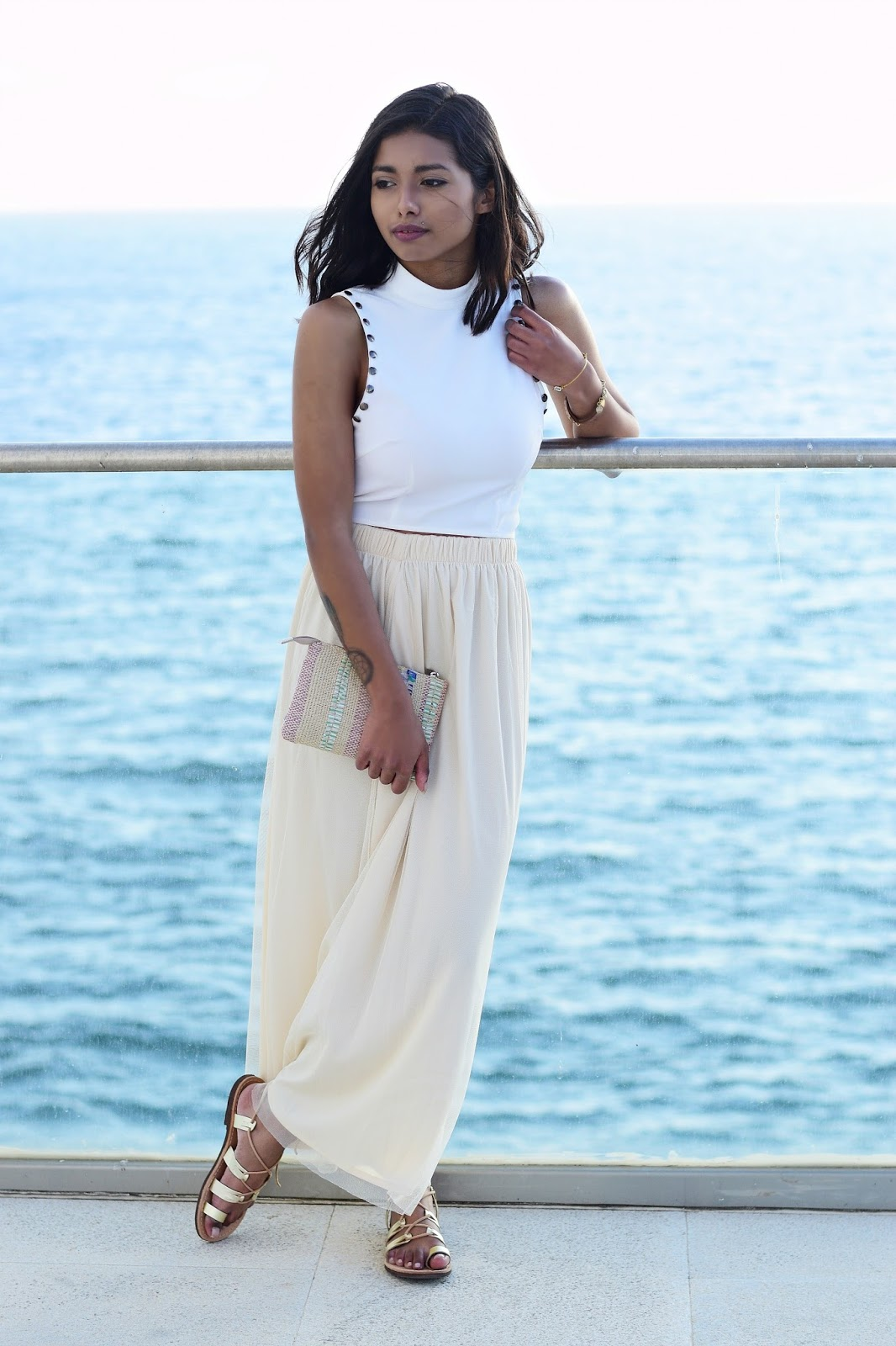 spring maxi tulle skirt outfit ideas