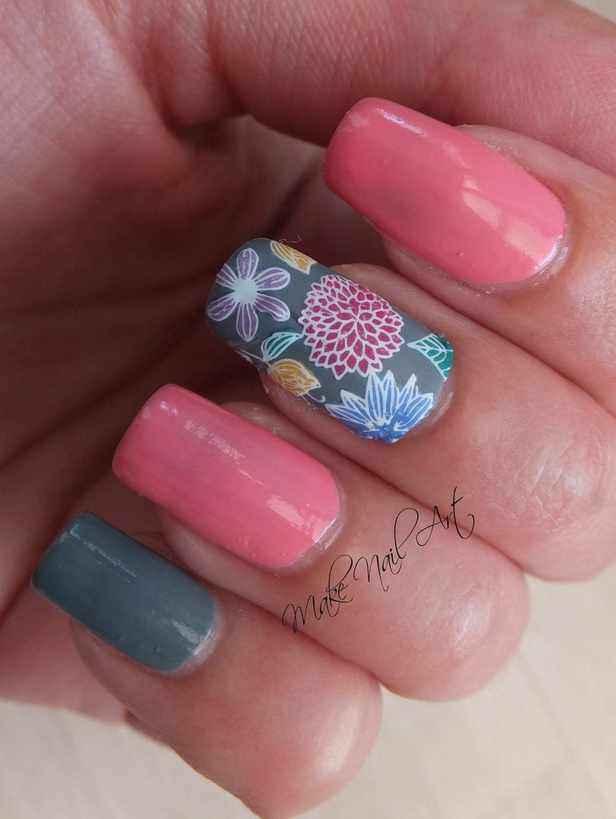 Make Nail Art: Summer Flowers Nail Art Design Tutorial