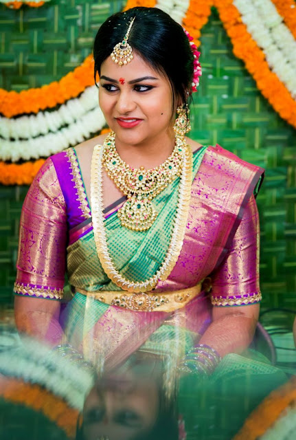 Bride in Pachi Floral Necklace Kasumala