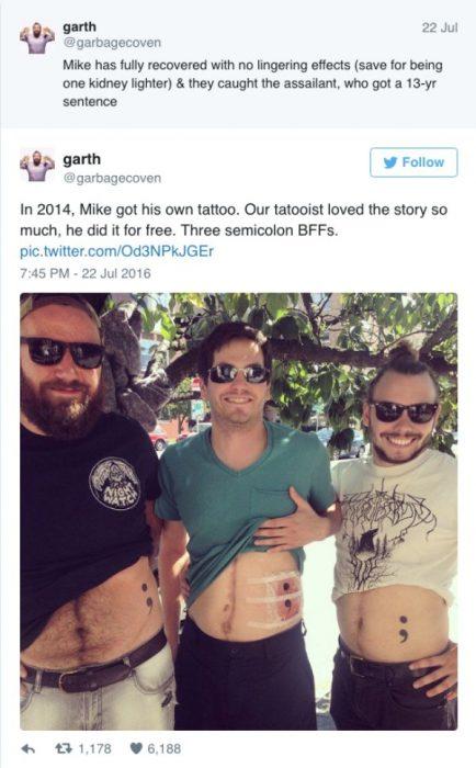 Amigos se hacen tatuajes iguales por la mejor razón del mundo