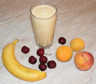 milkshake reteta, bauturi, shake cu fructe si lapte, retete, mix de fructe, dieta, sanatate, cura,