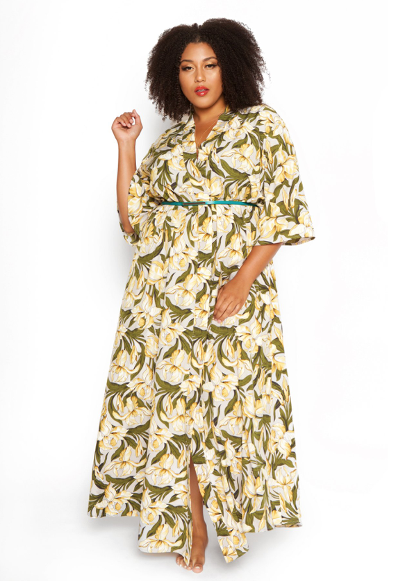 994c4a00579 Astra Signature - is owned by Crystal Coons who is a plus-sized blogger.  Crystal knows the struggles that plus-size have when looking for resort  pieces to ...