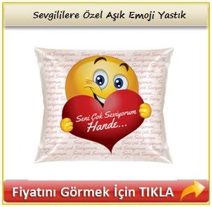 Sevgililere Özel Aşık Emoji Yastık