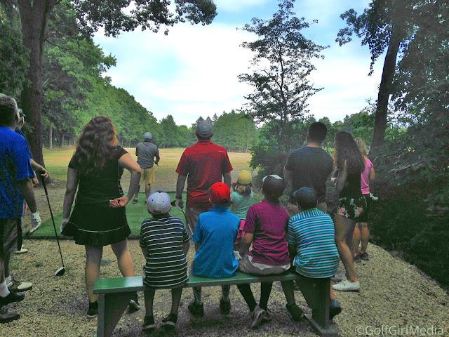 八月是国家高尔夫月,考虑一个有趣的家庭高尔夫活动