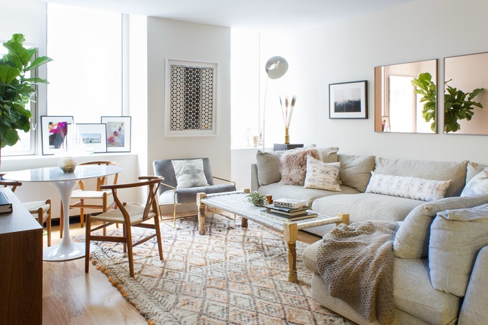 Using A Primarily Neutral Palette This Home Is Surprisingly Warm And Inviting Lets Take Tour Of Lovely New York See How The Designer Did