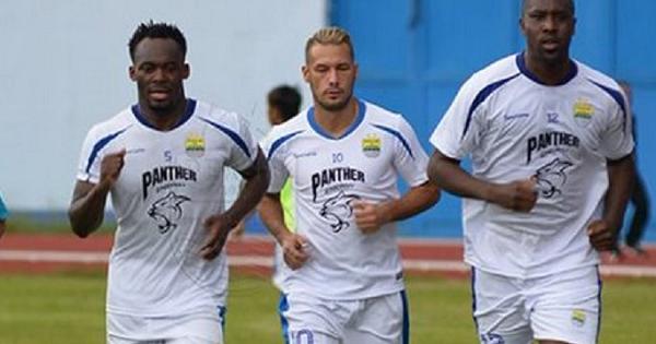 Hadapi Arema FC, Essien dan Cole Terancam Tak Bisa Main...