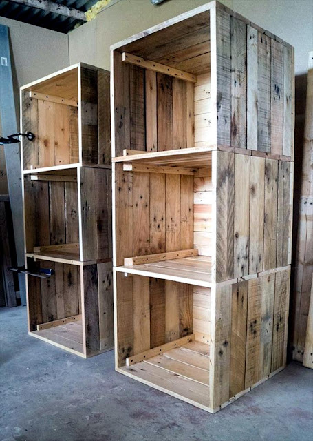Build a Dressing Room with Pallets for Free!! | Do it ... on Pallet Room  id=59307